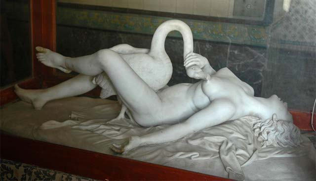 Apologise, but, Women having sex with statue consider, that