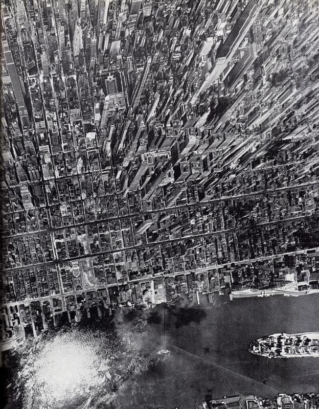Aerial-View-Manhattan-Andreas-Feininger-NYC-1944-Black-and-White